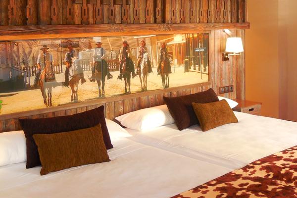 Habitaciones tematizadas hoteles playa senator oficial for Habitaciones familiares valencia
